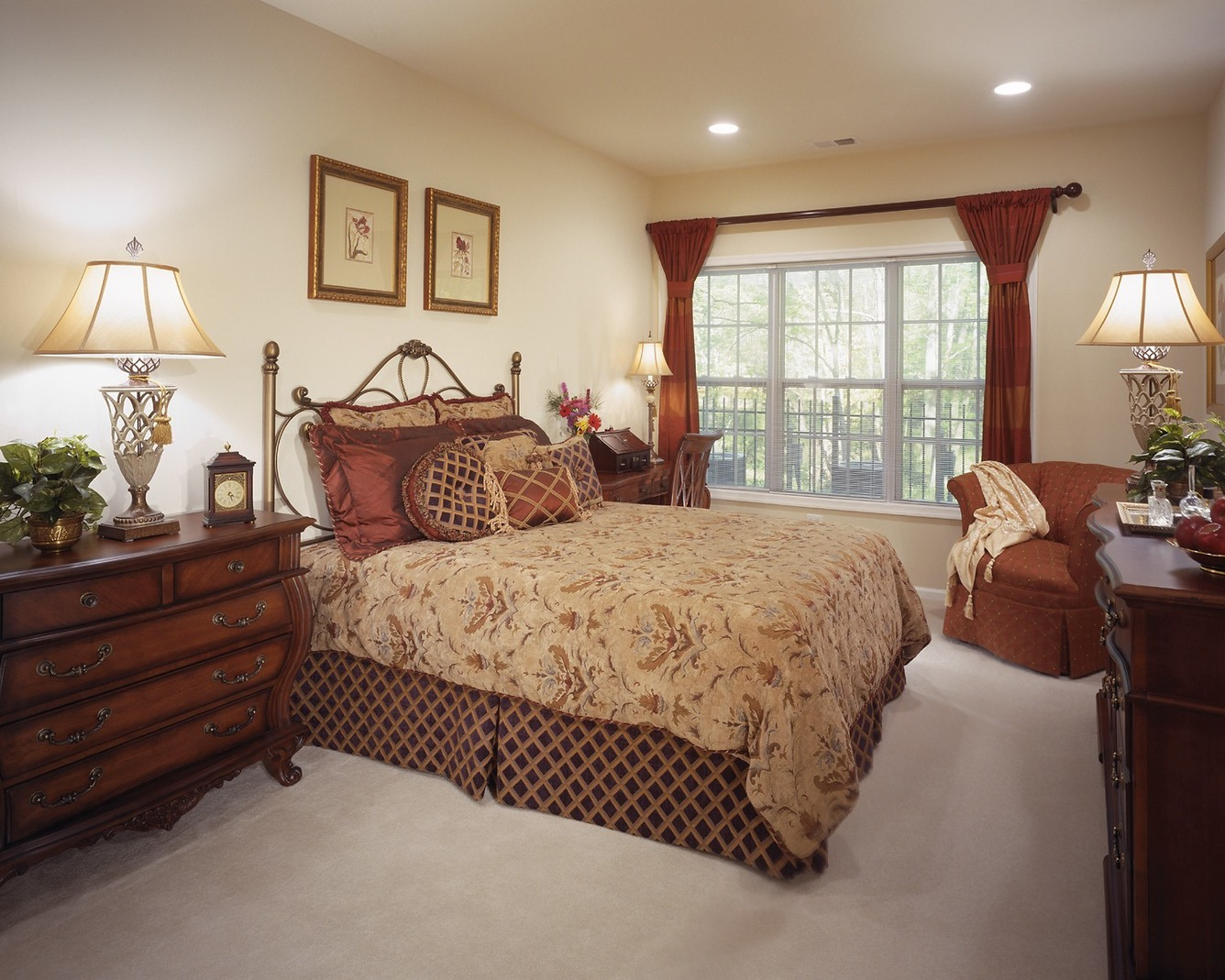 The Enclave - Elegant Bedroom
